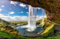 Seljalandsfoss-waterfall-in-Iceland-1.jpg